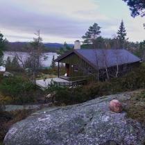 Rechts die Grunnetjørnsbu und links der Rohbau der Sikringsbua