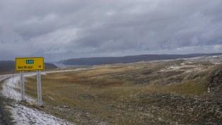 Im Hintergund der Tuffjorden mit der Nordjkapp Halbinsel